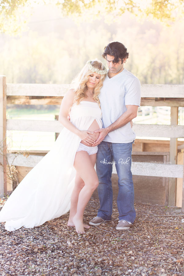 Field Maternity Session | aimeepoolphoto.com