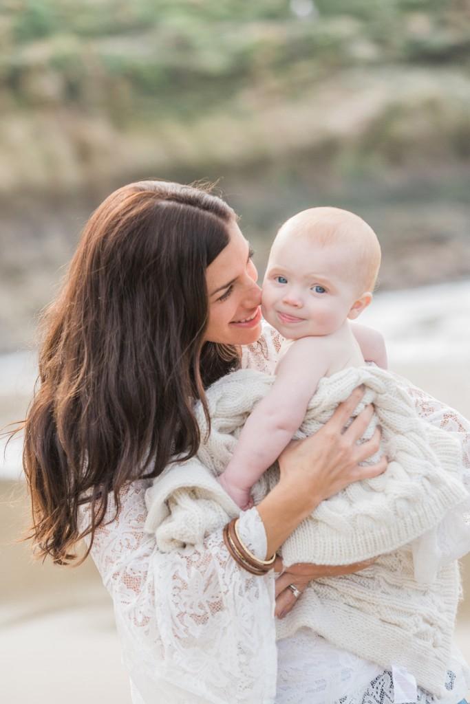Motherhood & Baby Beach Session | Bay Area Baby Photographer | www.aimeepoolphoto.com