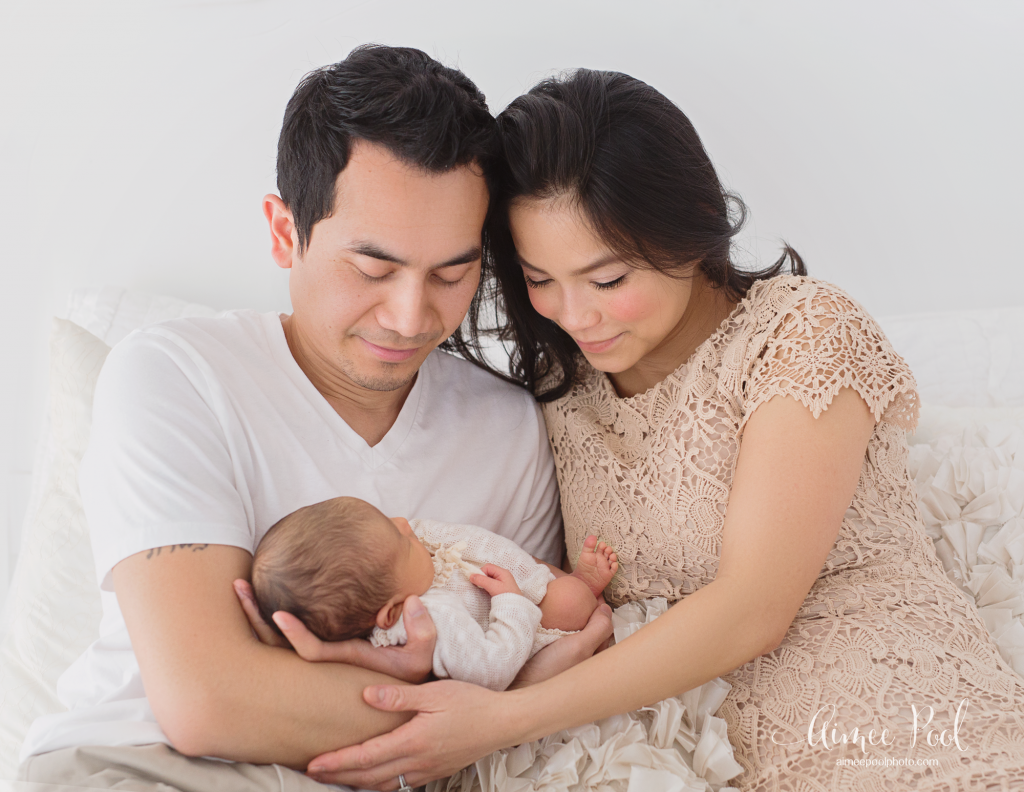 Organic Newborn & Motherhood Photo Session |www.aimeepoolphoto.com